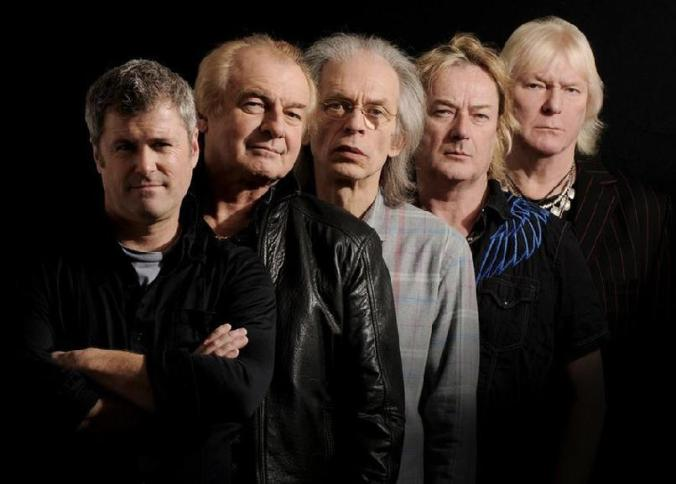 Yes 2011, L-to-R: Benoît David, Alan White, Steve Howe, Geoff Downes, Chris Squire.