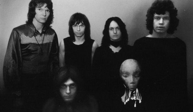 Yes 1971, L-to-R: Chris Squire, Tony Kaye, Steve Howe, Jon Anderson, Bill Bruford.