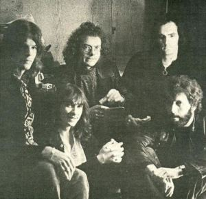 King Crimson 1970, L-to-R: Mel Collins, Pete Sinfield, Robert Fripp, Andy McCulloch, Gordon Haskell.